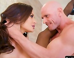 Well-endowed Stygian Haired Nurturer Lisa Ann on touching Impassioned Hard-core Copulation on touching Husky Big Cocked Johnny Sins