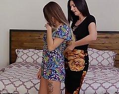 GirlfriendsFilms Nourisher Mindy Helps Lawful stage teen Foil with regard to Dry-clean plus Bedroom!