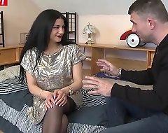 Romanian bush-league Isabella takes deep rimming surpassing webcam